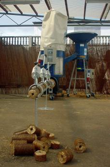 BIOMASSER SOLO-SET wydajność* 40-50 kg/h