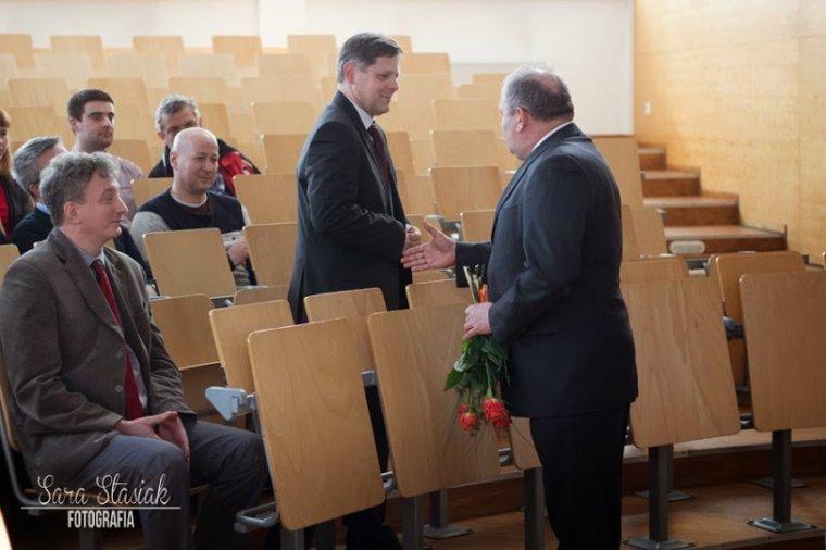 prof. dr hab. Piotr Łakomy - Dziekan Wydziału Leśnego Uniwersytetu Przyrodniczego w Poznaniu.