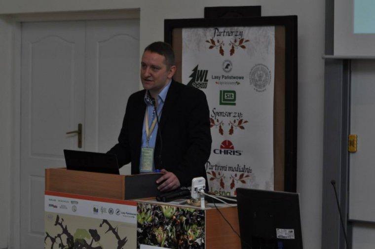 Dariusz Rutkowski, prezes Forest Consulting Center, podczas wystąpienia na VIII Ogólnopolskiej Konferencji Studentów Leśnictwa