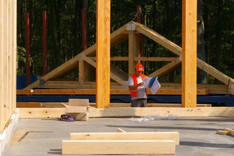 Tartakom grożą wysokie kary za sprzedaż drewna konstrukcyjnego bez znaku CE