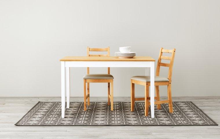 Stół i krzesła LERHAMN produkowane w fabryce w Konstantynowie