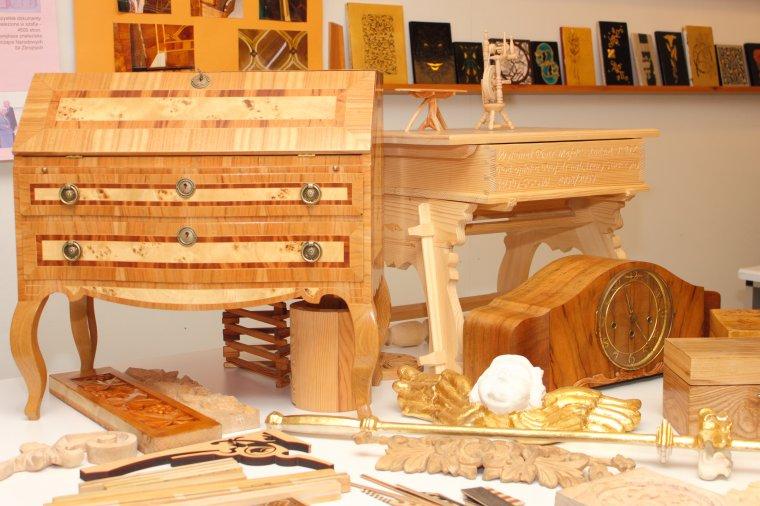 studia podyplomowe konserwacji drewna zabytkowego drewno pl. Black Bedroom Furniture Sets. Home Design Ideas