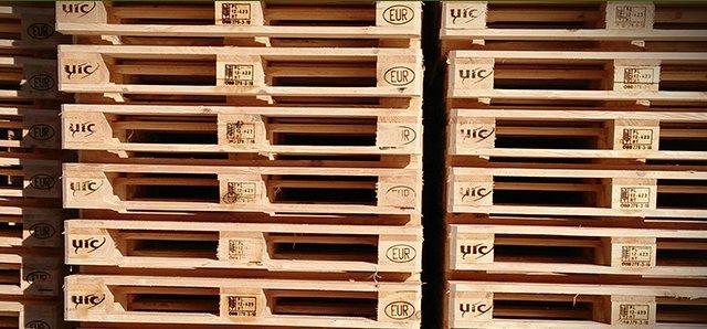 JCG specjalizuje się w obrocie paletami UIC-EUR oraz EPAL-EPAL