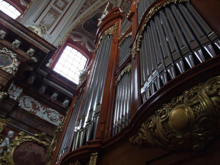 Organy Kościoła Farnego w Poznaniu - dzieło znanego niemieckiego organmistrza Friedricha Ladegasta z Weissenfels - jeden z kilku zachowanych instrumentów tego budowniczego w Europie