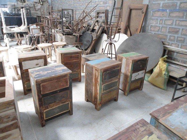 Indyjskie meble w stylu Loft z odzyskanego drewna