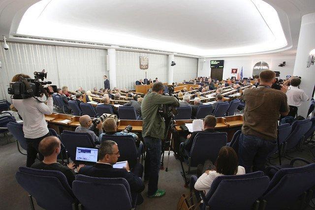 Senatorowie odrzucili wniosek prezydenta o referendum