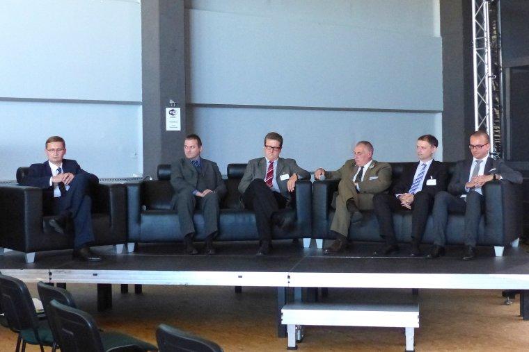 Panel dyskusyjny na temat klastra drzewnego