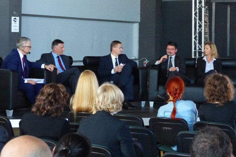 Panel dyskusyjny dotyczący szkolnictwa zawodowego