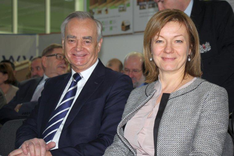 Inicjatorzy AKADEMII STEICO: Katarzyna Schramek, właścicielka firmy STEICO oraz Zbigniew Canowiecki, prezes zarządu stowarzyszenia Pracodawcy Pomorza. Fot. Forestor