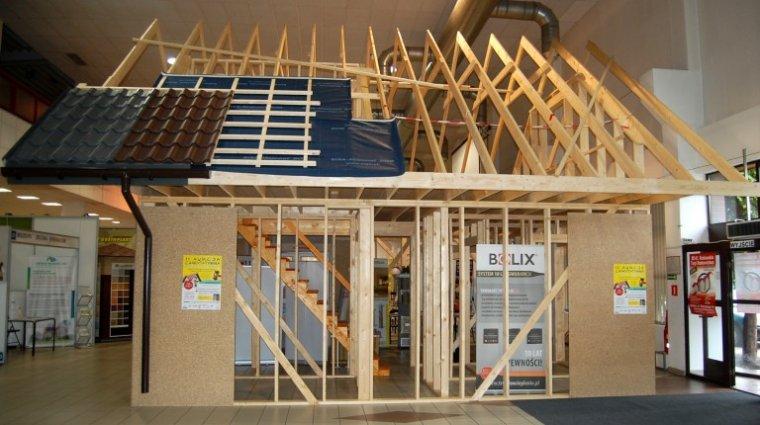 Licytacja domu szkieletowego ufundowanego przez firmę Drewdom-Mętel w ramach akcji Budujemy Radość Dzieciom