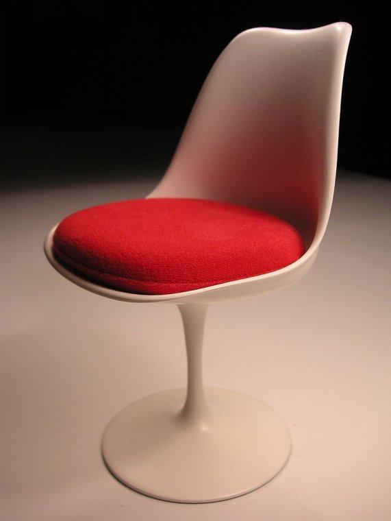 Krzesło Saarinena Tulip