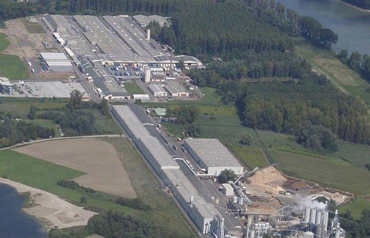 Zakład produkcji płyt wiórowych i fabryka mebli w Germersheim