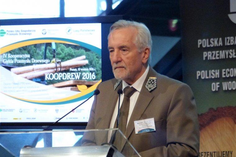 Dyrektor generalny Lasów Państwowych Konrad Tomaszewski podczas konferencji Koopdrew 2016