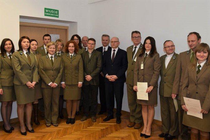 Uroczystość nadania stopnia awansu zawodowego nauczycielom szkół leśnych