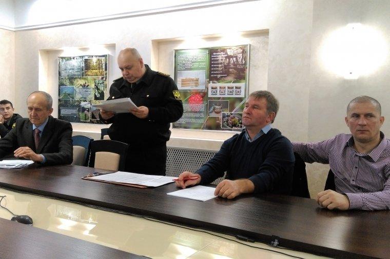 Wystąpienie naczelnika Wydziału Zasobów Leśnych – Grigorija Nowosada w siedzibie Wołyńskiej Dyrekcji Lasów Państwowych