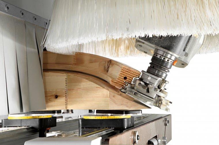 System to maszyny do wykańczania powierzchni, które oprócz wałów szlifierskich mają całą gamę agregatów specjalnych.