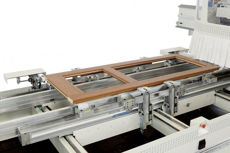 FEED to rozwiązanie CNC dedykowane do obróbki drzwi i okien