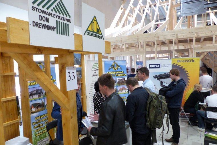 """Seminarium """"Buduj z drewna"""" odbędzie się podczas drugiej edycji Targów Budownictwa Drewnianego w Krakowie"""