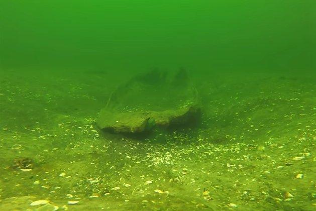 Średniowieczną dłubankę odkryto na dnie Jeziora Niedzięgiel