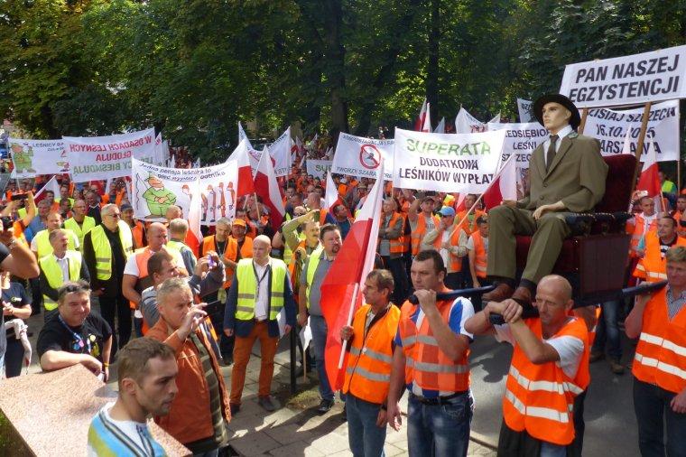 Protesty ZULi z 2015r. niewiele zmieniły, sytuacja przedsiębiorstw realizujących usługi leśne wcale się nie poprawiła