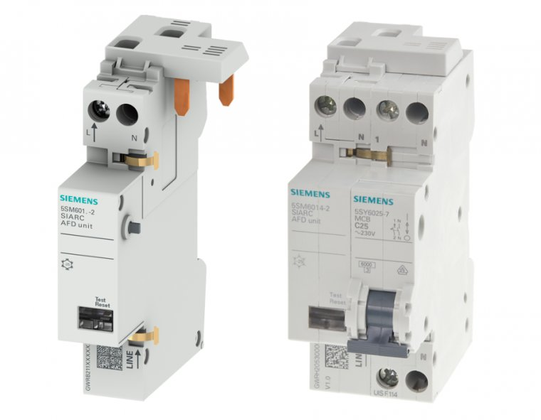 Fot. 1. Przeciwpożarowy detektor iskrzenia 5SM6 (z lewej strony) oraz w komplecie z wyłącznikiem nadmiarowoprądowym 5SY60 firmy Siemens (z prawej strony)