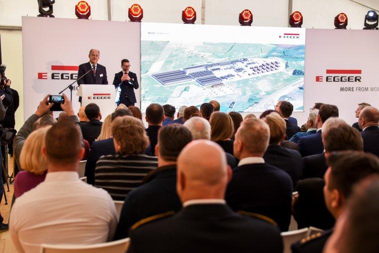 Uroczystość rozpoczęcia budowy fabryki w Biskupcu