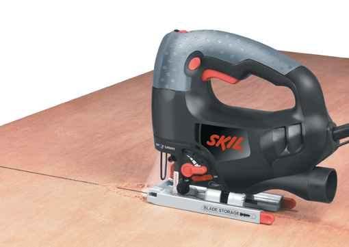 <center>Wyrzynarka 4580 marki Skil<br> pozwala na cięcie różnych mat.<br>np. paneli.  fot.:Skil</center>