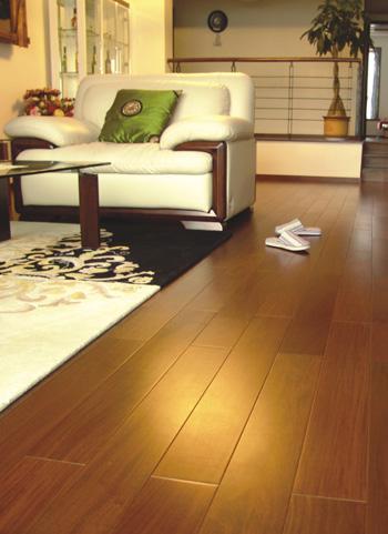 Podłoga z ipe<br>fot. Anxin Flooring
