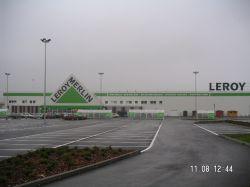 Nowy hipermarket w Krakowie
