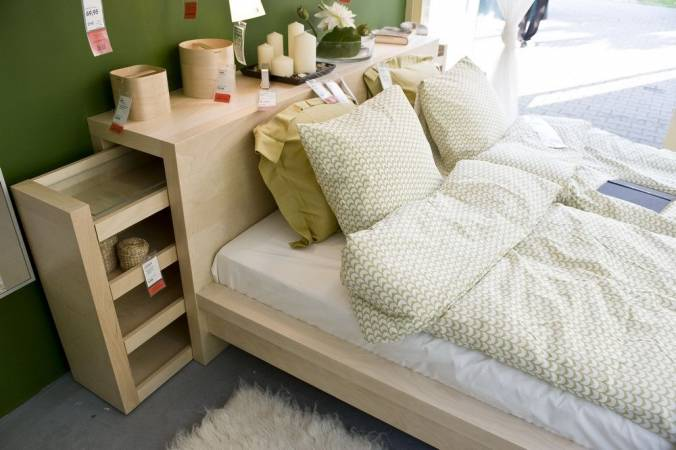 Sypialnia szafa PAX, łóżko MALM, podnóżek KLIPPAN