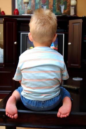 Ponad jedna czwarta wypadków zdarza się kiedy dzieci próbują wspinać się na meble.