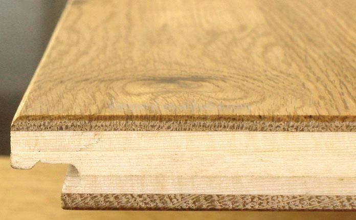 Podłoga klejona z trzech warstw drewna litego