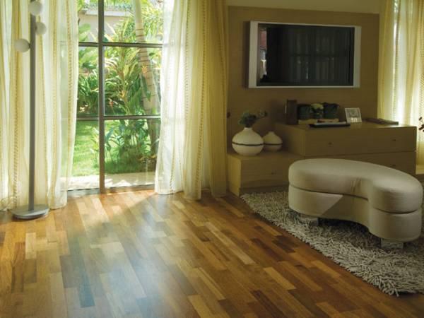 Podłoga drewniana Merbau Regal z ofert Komfortu