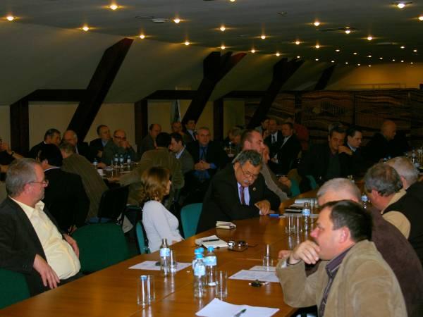 Uczestnicy spotkania w Rosnówku omawiali trudną sytuację branży