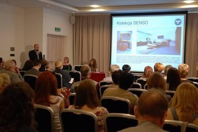Dzień otwarty rozpoczął się konferencją, na której Leszek Górski - prezes marki Profap - zaprezentował profil firmy i jej najnowszą kolekcję dzienne PIANO.