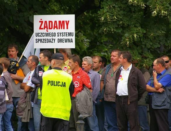 Uliczny protest branży drzewnej w lipcu 2008r.