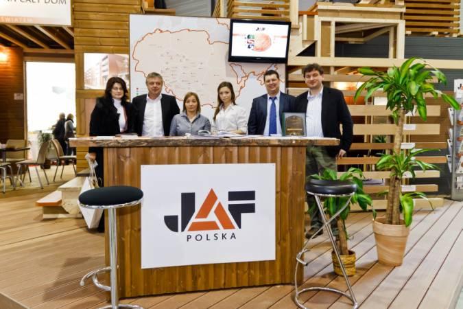 Stoisko JAF Polska na Budmie wykonano w całości z materiałów stanowiących ofertę handlową.