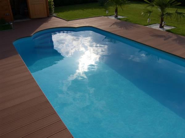 Obrzeże basenowe wykonane z kompozytu