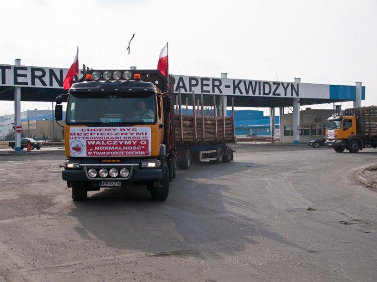 Protest przeoźników przed zakładem International Paper Kwidzyn