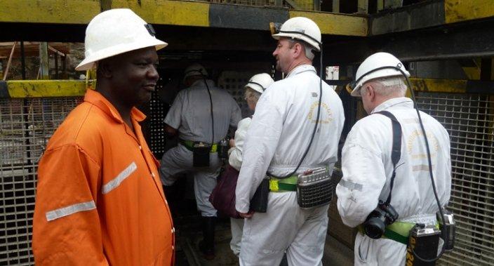 Zwiedzanie kopalni złota w Obuasi