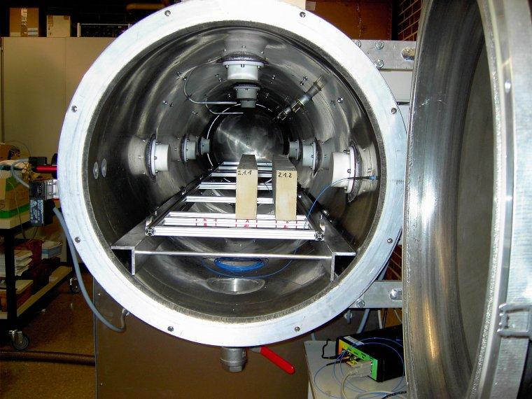 Suszarka mikrofalowa wykorzystywana do badań