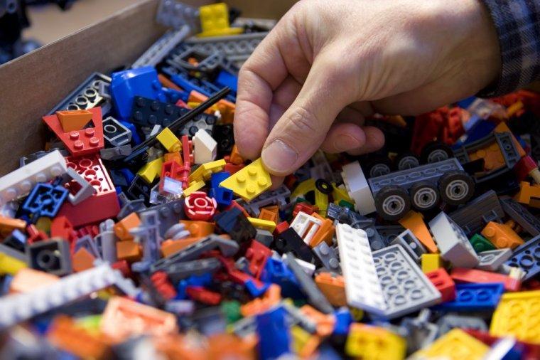 LEGO zadba aby papier używany do pakowania zabawek posiadał certyfikat FSC