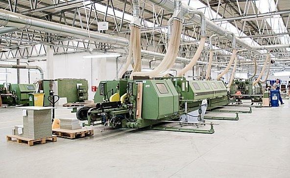 Hala produkcyjna fabryki mebli łazienkowych ORiSTO