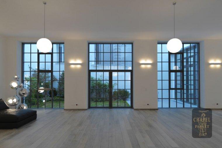 W loftach zaprojektowanych przez Thurn & Bauer Immobiliengruppe wykorzystano deski  firmy Chapel Parket Polska z kolekcji Middle Age Floors w kolorze Bleached white.