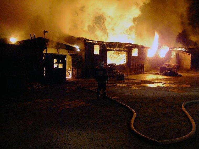 Pożar stolarni w Kaliszu