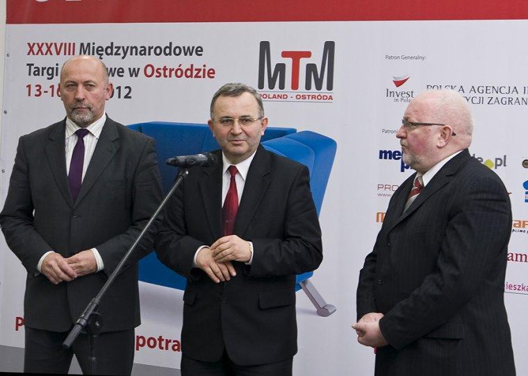 Krzysztof Raczkowsk otwiera targi w Ostródzie