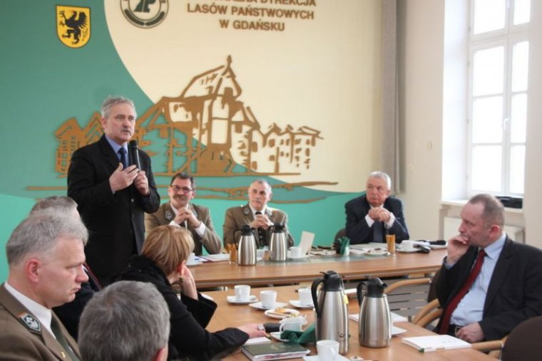 Przemawia senator Leszek Czarnobaj