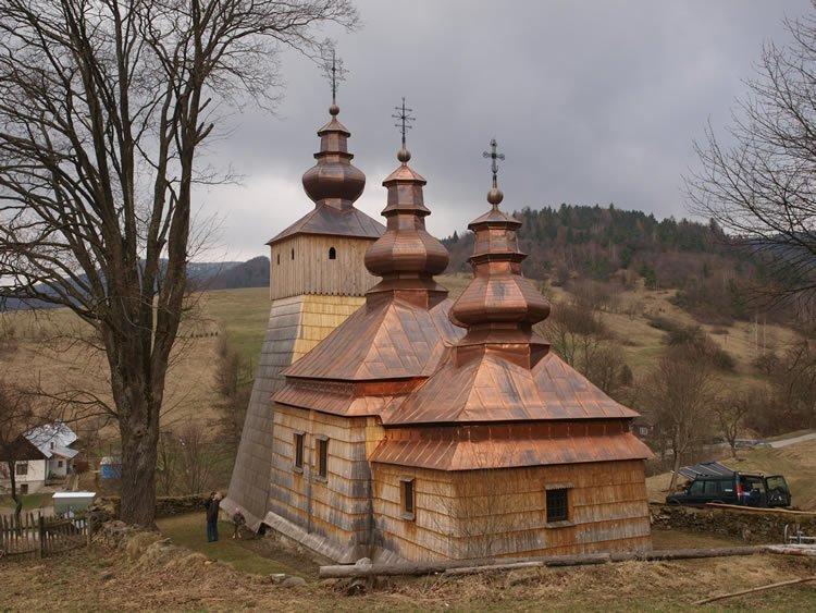 Wyremontowana cerkiew łemkowska w miejscowści Dubne