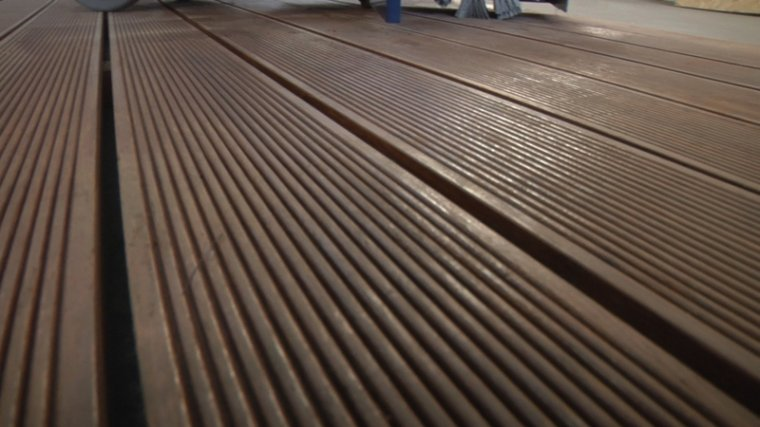 Jak odświeżyć taras bambusowy przed sezonem