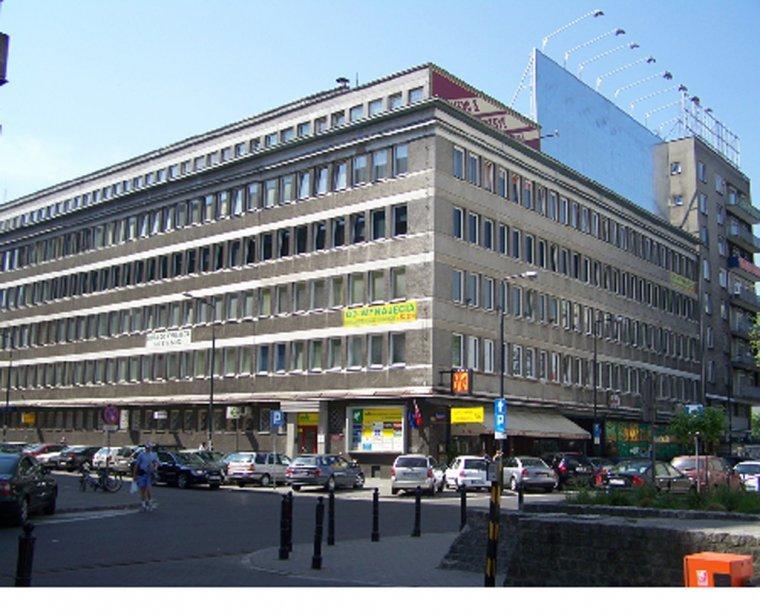 Należący do Meble Emilia budynek przy ul. Nowogrodzkiej